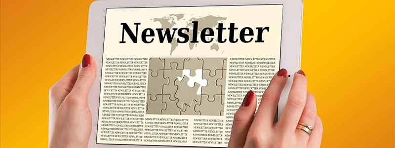abonné qui lit une newsletter